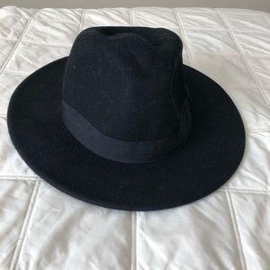 H&M black felt hat